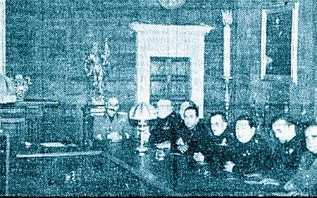 Cianetti (primo a destra) alla riunione del Gran Consiglio del fascismo