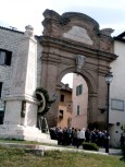 Il monumento che San Gemini ha dedicato alla memoria dei propri cittadini caduti nella prima guerra mondiale