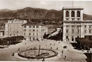 La fontana di piazza Tacito: danni ancora evidenti dopo il 1950