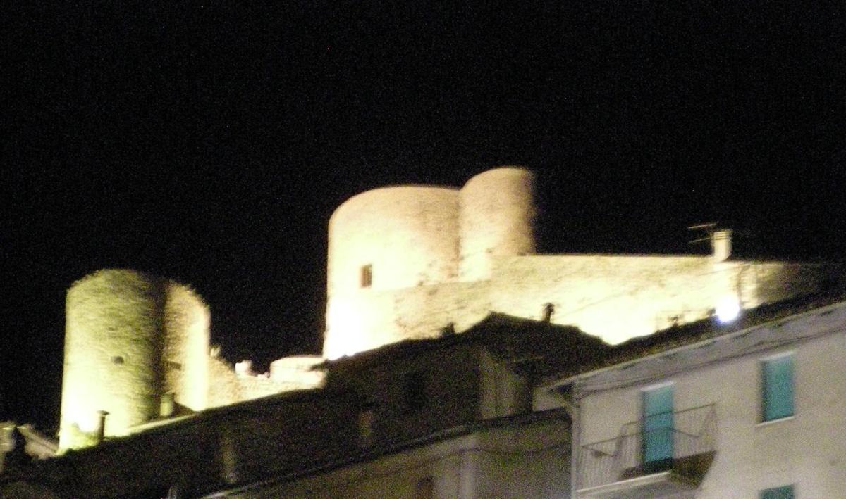 Terremoto a Polino, crolla la Rocca