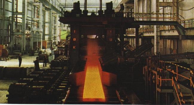 Incidenti sul lavoro, giornata nera alle acciaierie: un morto e un ferito