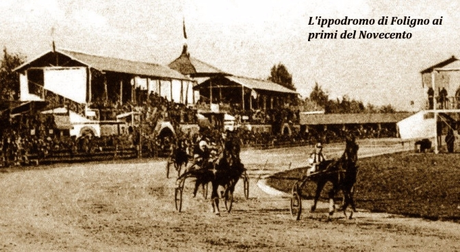 1906, all'ippodromo di  Foligno cavalli in gara