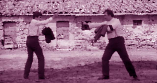 Scafali: lite per la proprietà di un campo finisce a coltellate