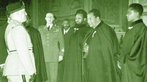 1936, il Ras Seyum visita gli stabilimenti militari di Terni