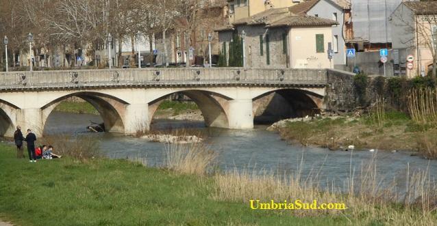 Tra Perugia e Foligno otto secoli di liti per il fiume Topino