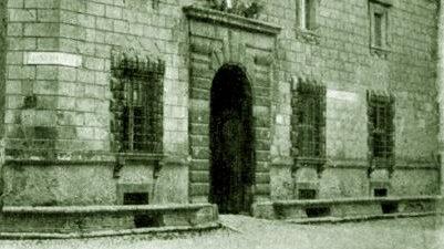 piazza-duomo-palazzo-bianchini-riccardi-411-450x330
